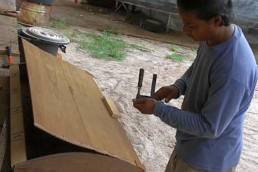 Pre-bending the veneer & ply to go on the curved doors