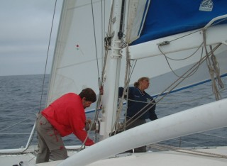 Shaking the reef out of the mainsail after the wind lightened up again