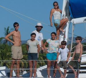 Chris, Tianna, Tony, Teresa, Daniel, Sean, & Amanda up the mast (of course)